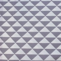 Grey Triangles In White  Canvaskatoen